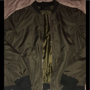 GREEN BOMBER JACKET I ACCEPT OFFERS💙💙💙